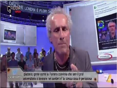Paolo Barnard 13/07/2016: -Il ricatto dei poteri forti - Interventi La Gabbia 13 luglio 2016
