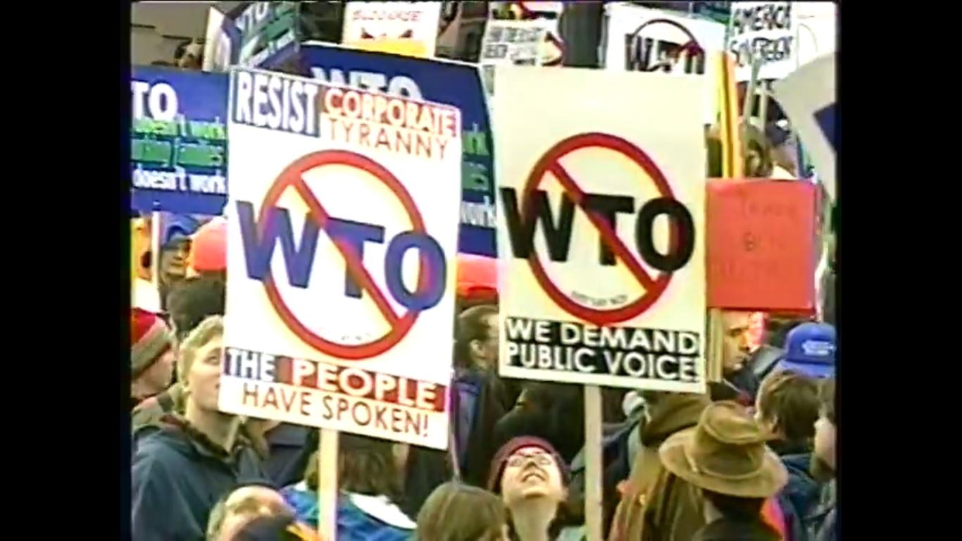 I 4 GIORNI DI SEATTLE. 1999. GLI SCONTRI. LO STATO DI POLIZIA. LA CARNEFICINA. LA SUPREMAZIA DEL WTO.